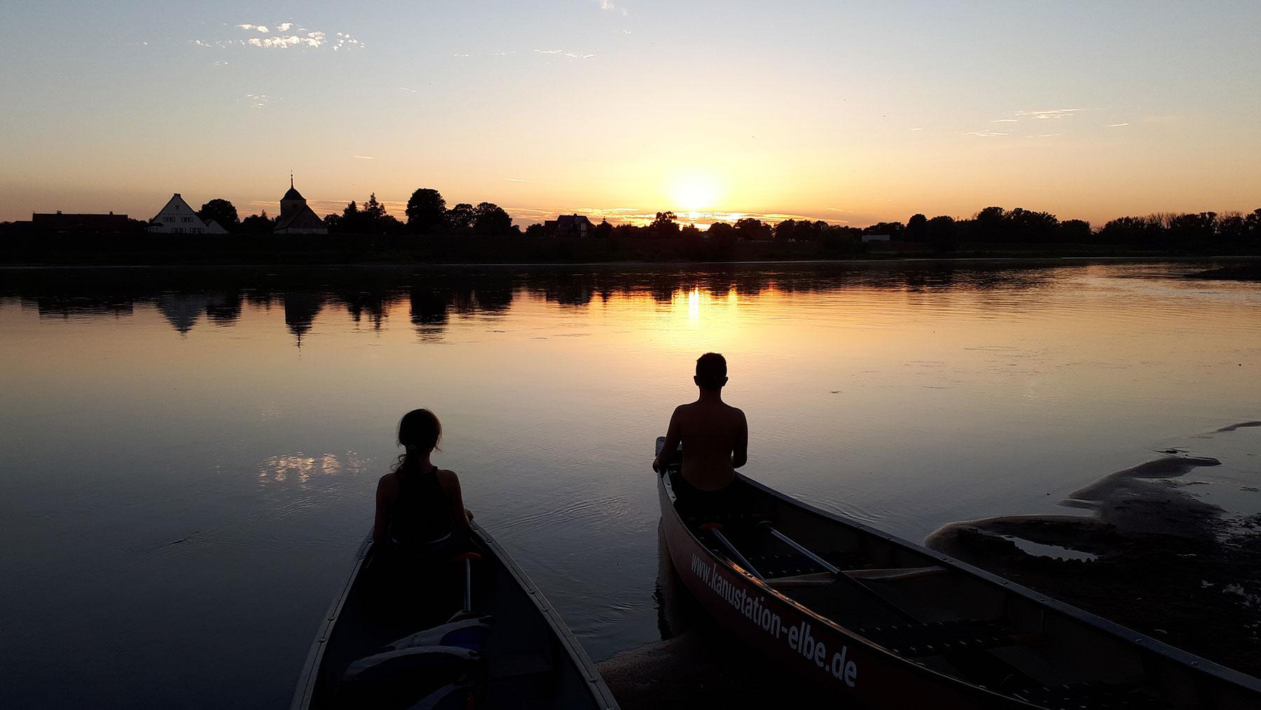 Kanustation Elbtalaue Sonnenuntergang
